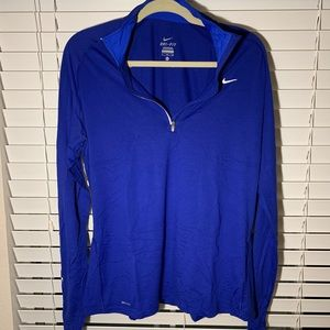Woman's Nike quarter zip